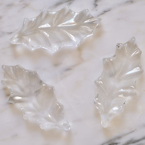 Holly Leaf Crystal Knife Rests - La Porte Bonheur
