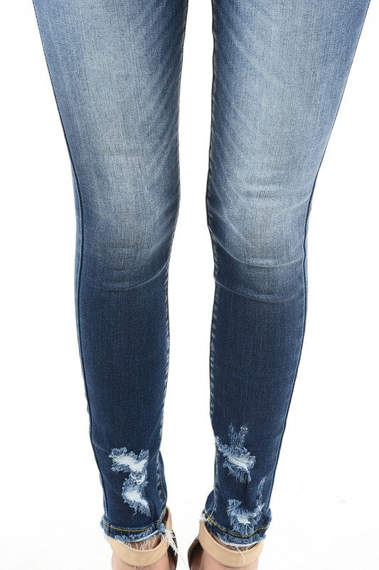 Mid Rise Distressed Skinny {kc8376d}