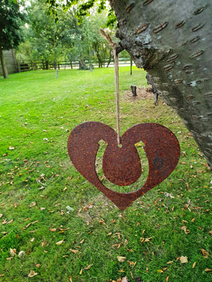 Metal Rusty Heart Horse Shoe