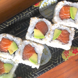 So Restaurant Japanese Food Salmon and Avocado Roll