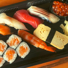 Load image into Gallery viewer, Nigiri Sushi Selection    【にぎり寿司】