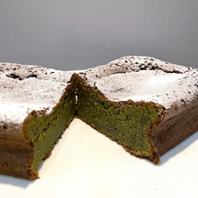 Load image into Gallery viewer, Matcha Green Tea Cake 【抹茶ケーキ】