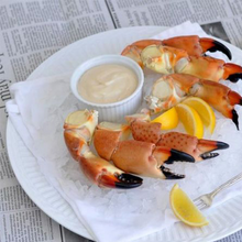 Load image into Gallery viewer, Medium Stone Crab Claws on Platter