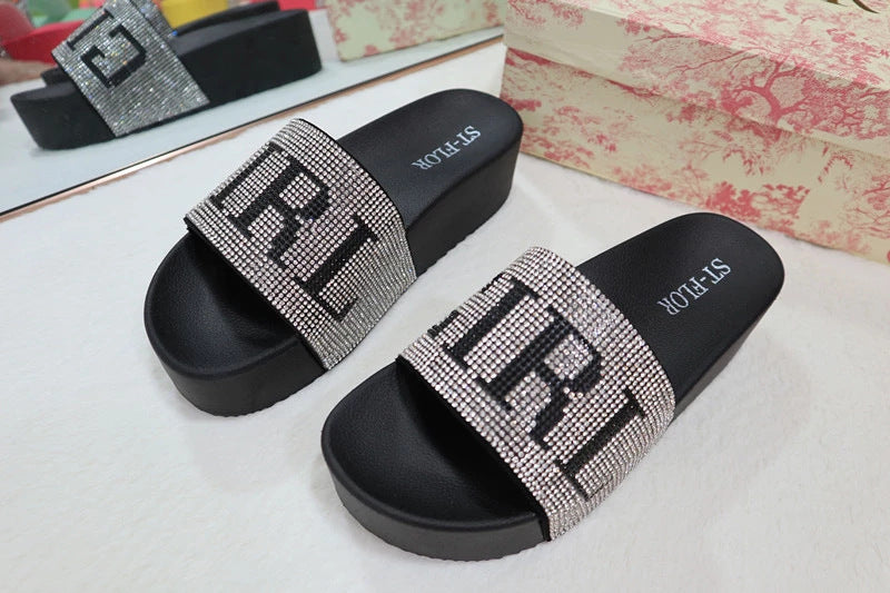 Thick bottom water drill anti slip slippers