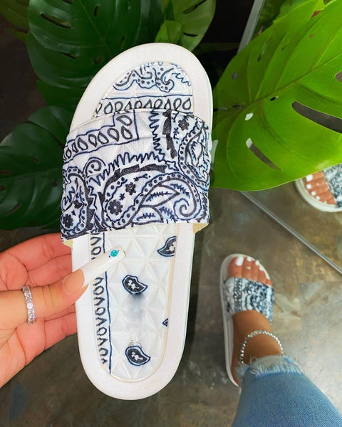 Fashionable thick bottom printed women's slippers