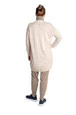 Load image into Gallery viewer, Inari Women's beige cashmere cardigan - back side - 100% high-quality cashmere - Inari-clothing.fi