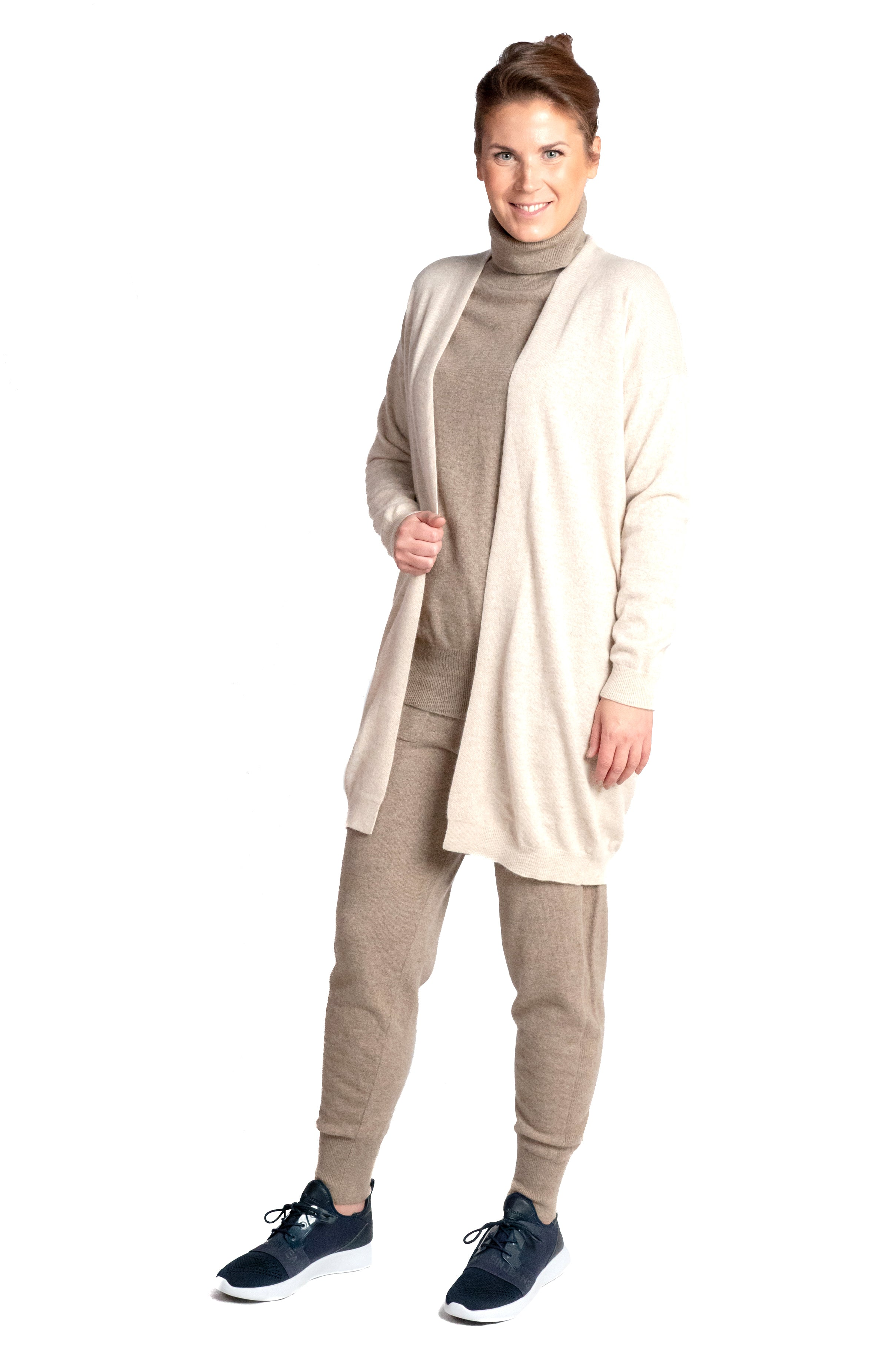 Inari Women's beige cashmere cardigan - front side - 100% high-quality cashmere - Inari-clothing.fi