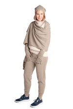 Load image into Gallery viewer, Inari Women's brown cashmere scarf / shawl - 100% high-quality cashmere - Inari-clothing.fi