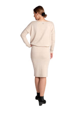 Lataa kuva Galleria-katseluun, Inari Women's beige cashmere skirt - back side - 100% high-quality cashmere - Inari-clothing.fi