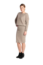 Lataa kuva Galleria-katseluun, Inari Women's brown cashmere skirt - front side - 100% high-quality cashmere - Inari-clothing.fi