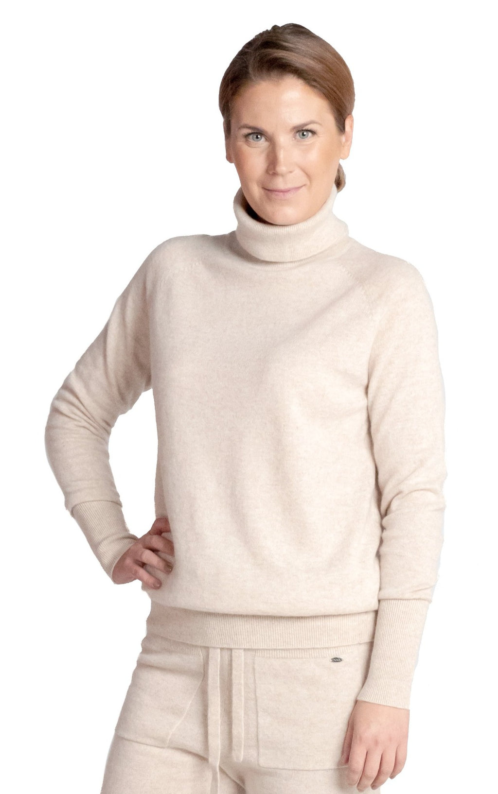 Inari Women's beige cashmere turtleneck sweater - front side - 100% high-quality cashmere - Inari-clothing.fi