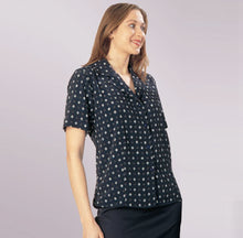 Load image into Gallery viewer, M333 – Overblouse semi-fitted $66.00 (GST incl)