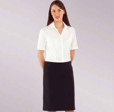 M571 – Overblouse fitted $66.00 (GST incl)