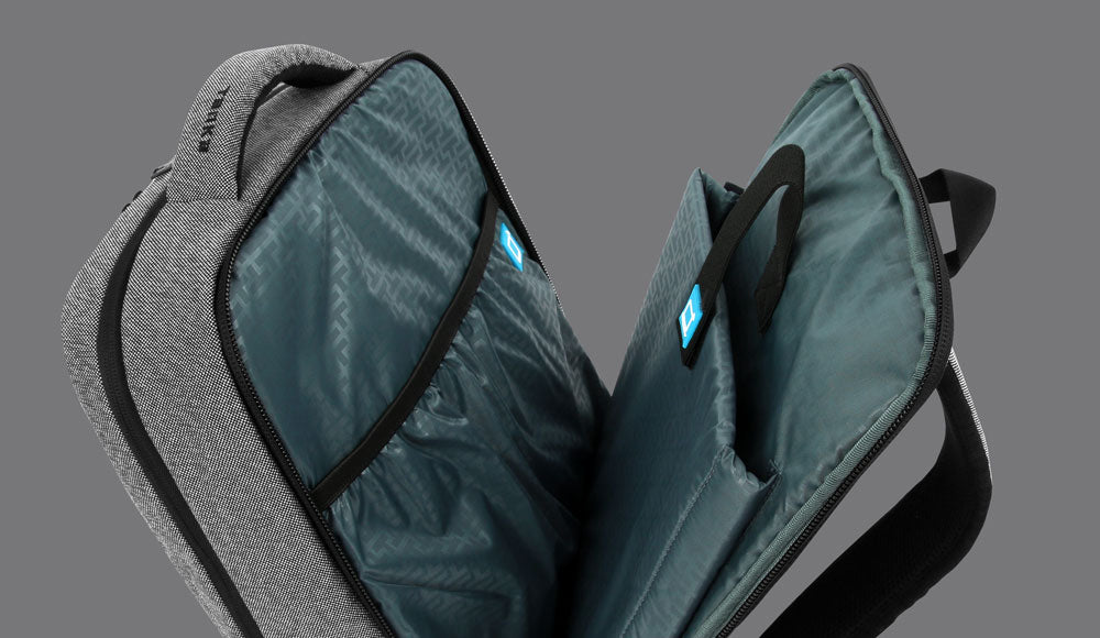 TSA FRIENDLY DESIGN WITH ADJUSTABLE PADDED LAPTOP SLEEVE THAT ADAPTS TO SECURE 13 TO 16.1 INCH LAPTOP