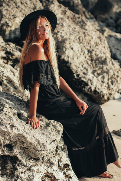 Maddalene Off shoulder Maxi - Black