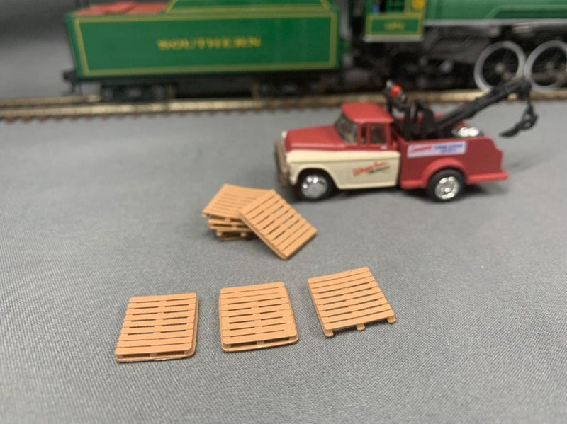 Wooden Pallets Painted (20 Pack) | HO Scale | Hand Painted - Squeaky's Trains & Things