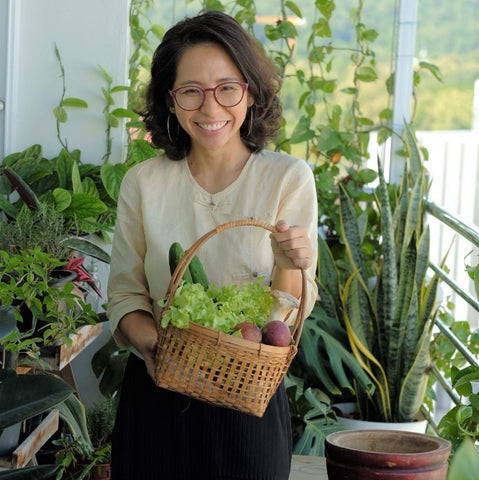 Chef Mae with her farm ingredients