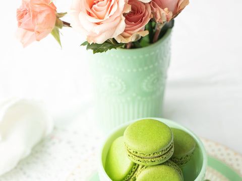Macrons and flowers