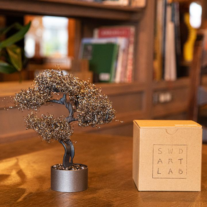 Suwada London, home decor, minimalist style metal bonsai tree