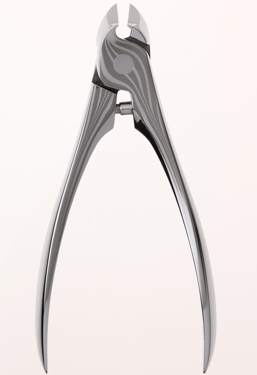 Front view of suwada damascus steel nail nipper
