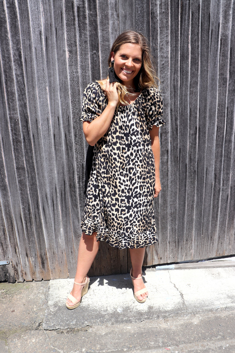 RO Elaine Short On Or Off the Shoulders Dress In Africa