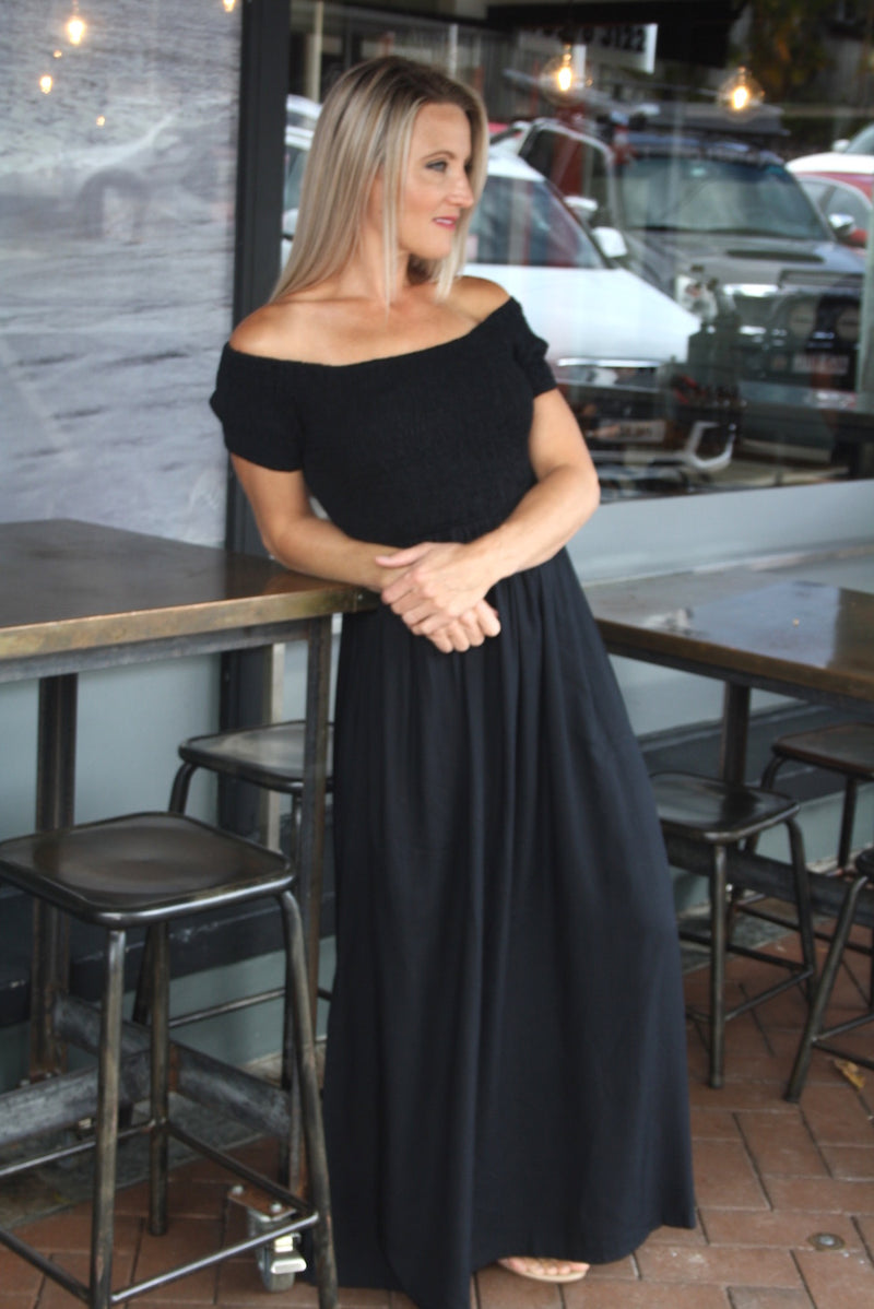 RO Day off Maxi Dress In Black