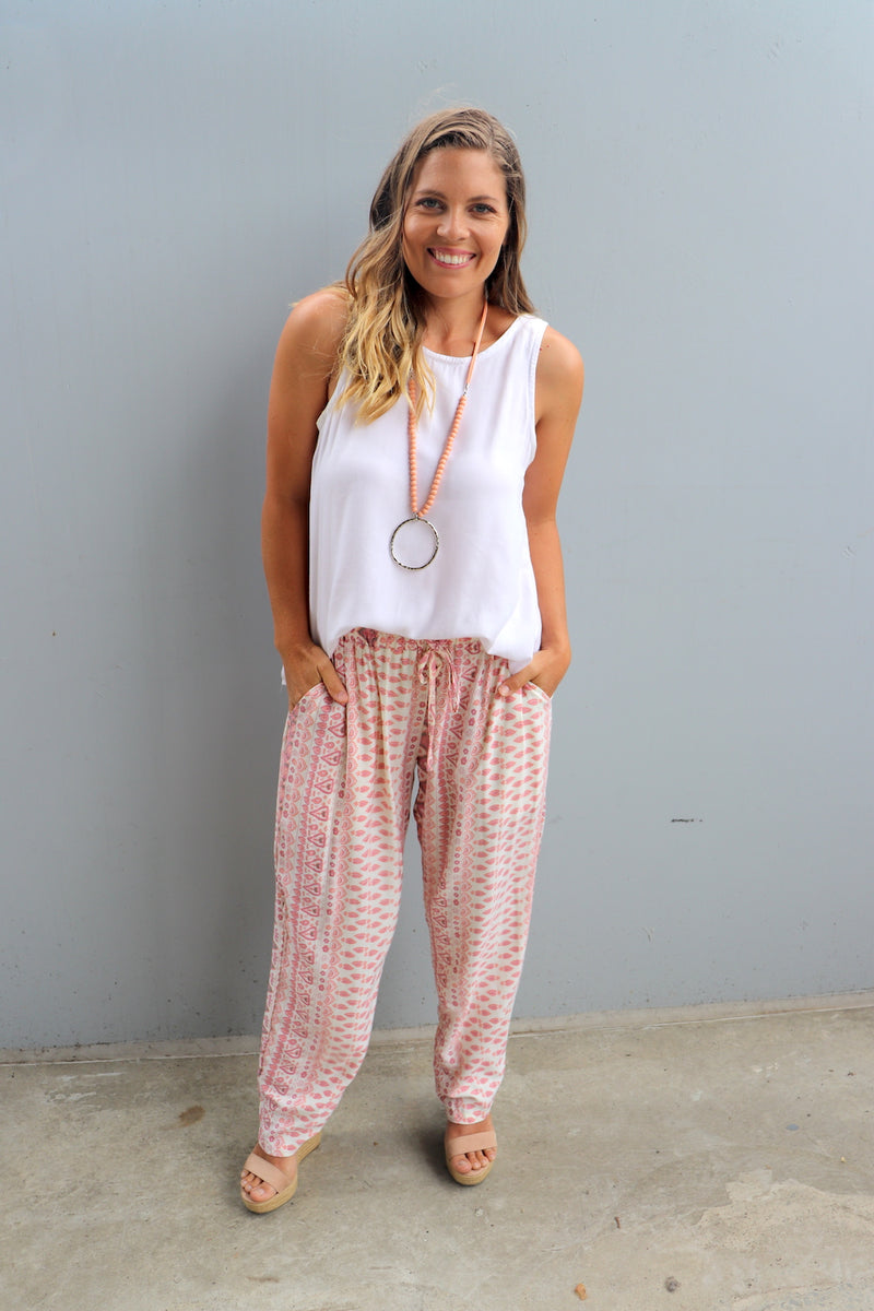Perfect Travel Elastic Long Pant In Pink Aztec
