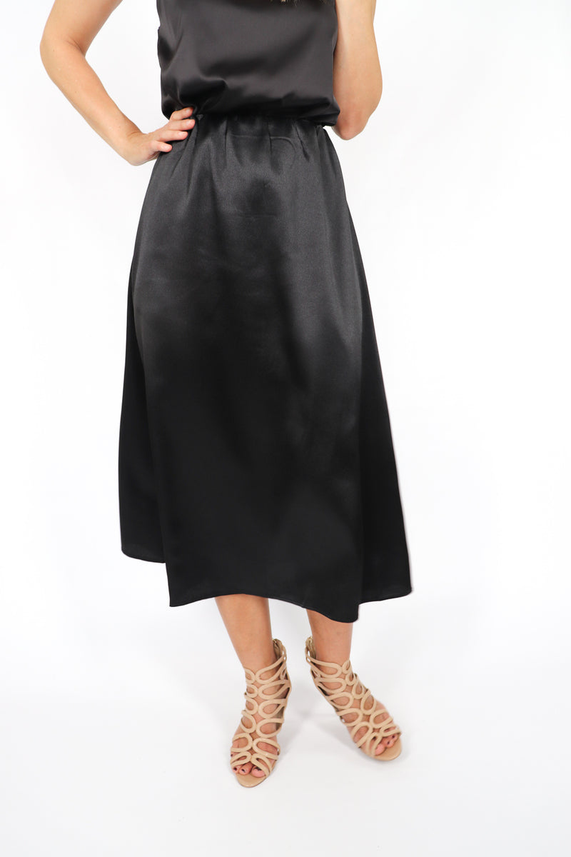 RO Nightlife Satin Skirt In Black