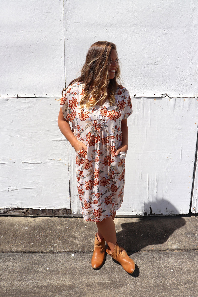 The Hamilton Short Dress In California Poppy Caramel