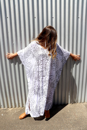 Long Kaftan In Grey Animal