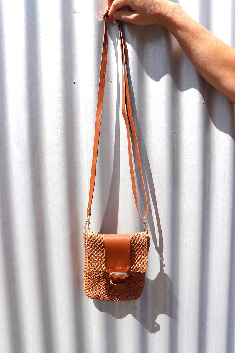 Easy Wear Handbag in Tan