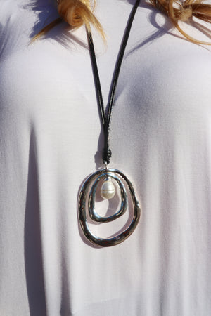 Long Silver Pendant Pearl Necklace