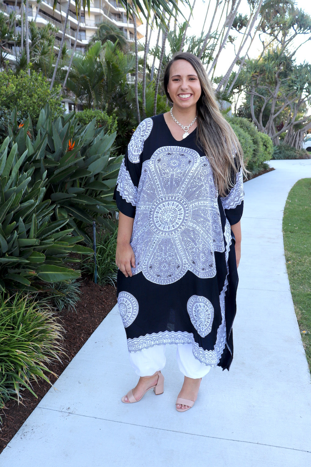 Bling Kaftan In Black & White