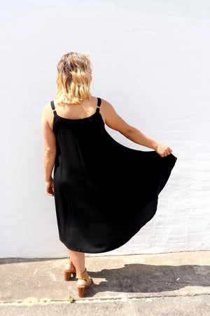 Short Swing Dress In Black