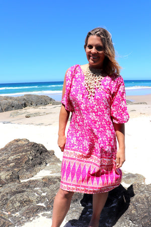 Getaway Short Sleeve Short Dress In Pink Orchid