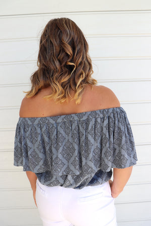 Love The Frill On or Off the Shoulders Top In Charcoal