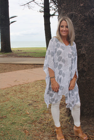 Short Tunic -White Grey Flower