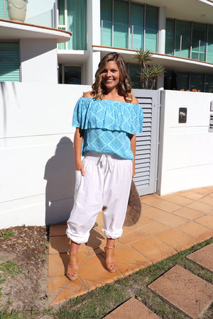 Love The Frill On Or Off the Shoulders Top In Ocean Blue
