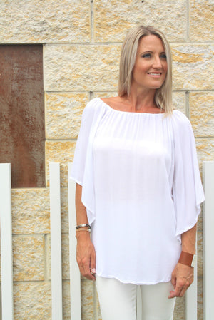 Wing On or Off the Shoulders Top in White
