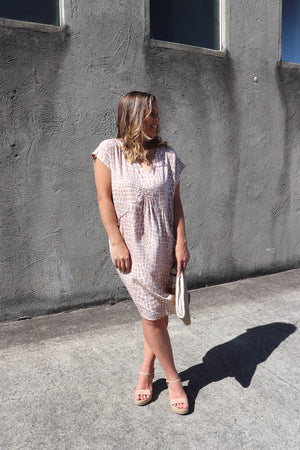 The Hamilton Short Dress In Pebbles
