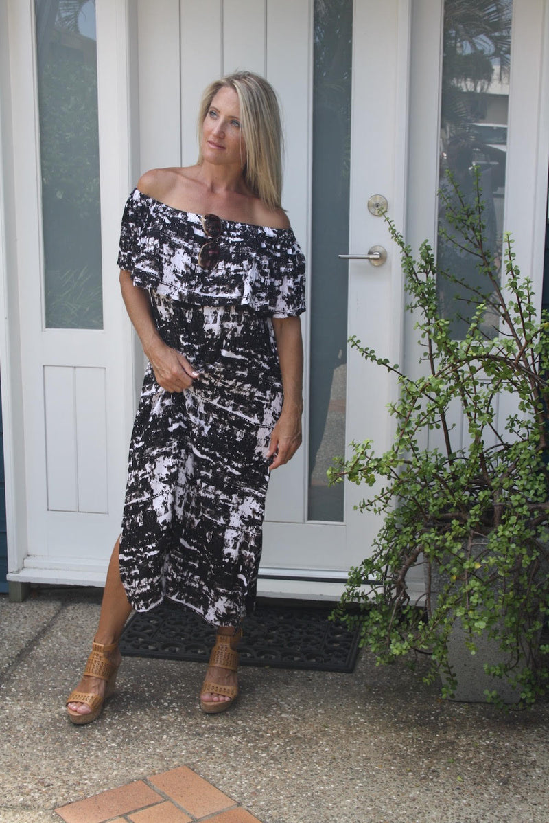 Love The Frill Maxi In Black & White