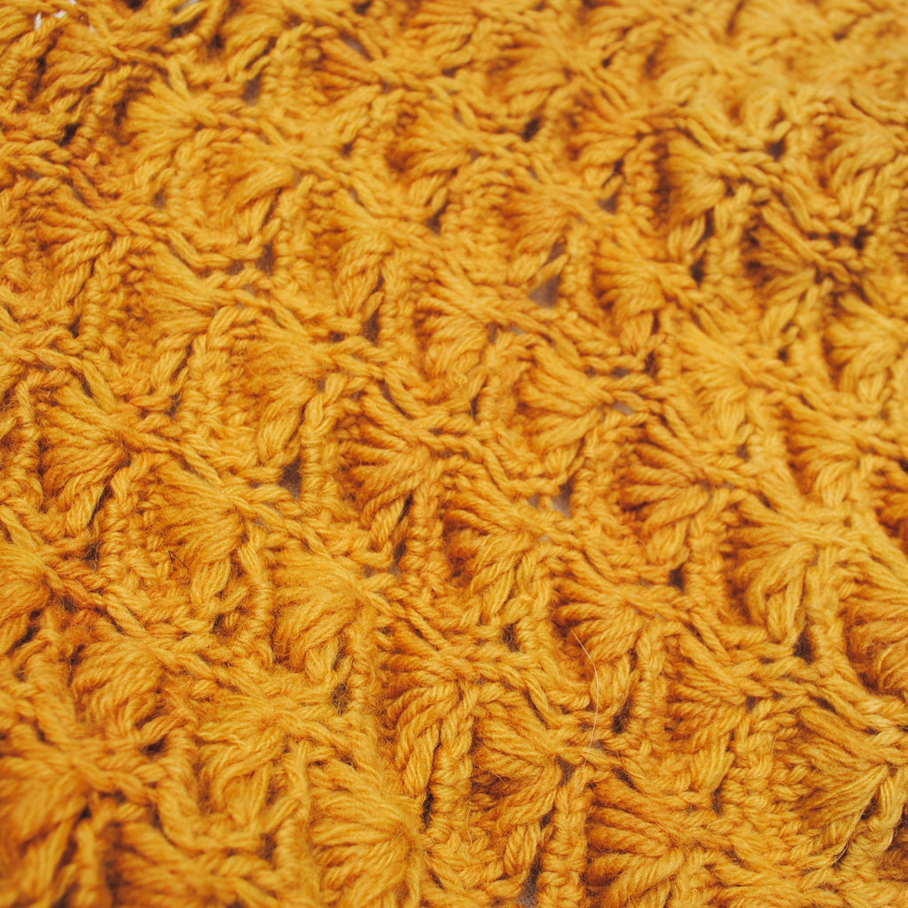 Yellow Scallop Cowl