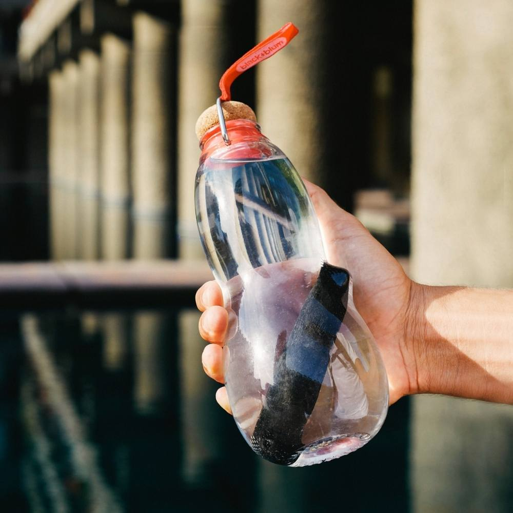 Black and Blum Eau Good Water Bottle with Charcoal Filter