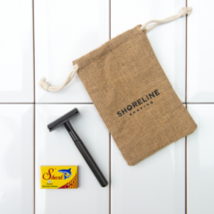 Shoreline Shaving plastic free razor matte black with hessian bag