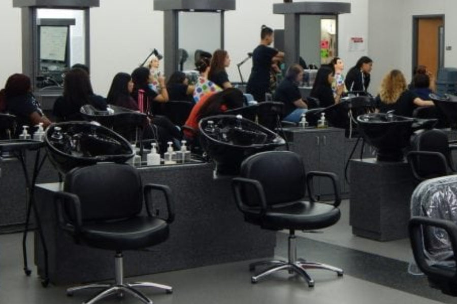 How to Become a Licensed Cosmetologist
