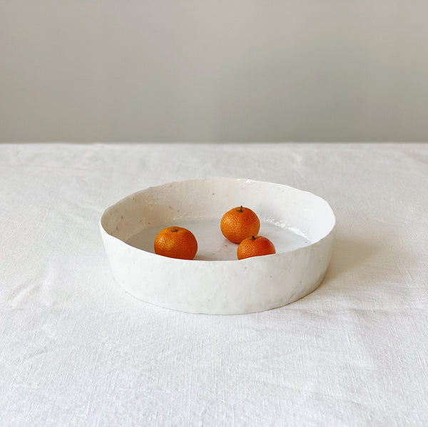 Round Dish with High Rim (원벽굽접시) by PARK Songkuk