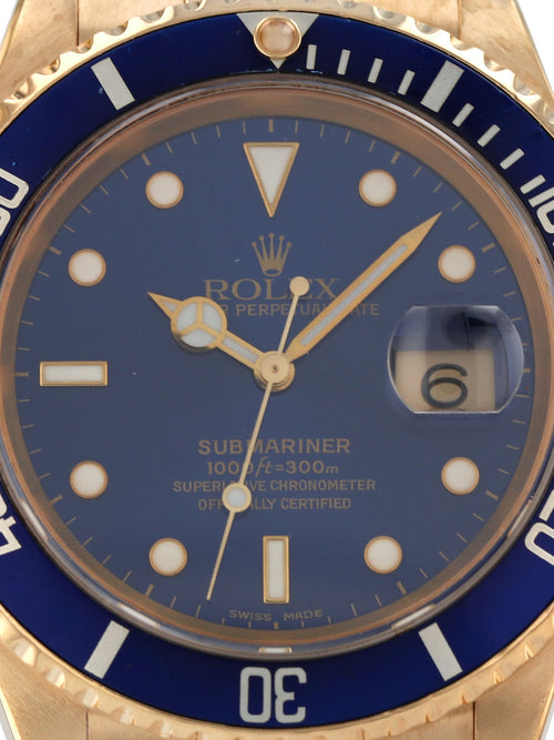 35724: Rolex 18k Submariner, Ref. 16618, 2001 Full Set