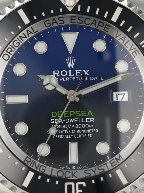 35836: Rolex DeepSea Sea-Dweller, Ref. 126660, 2019 Full Set