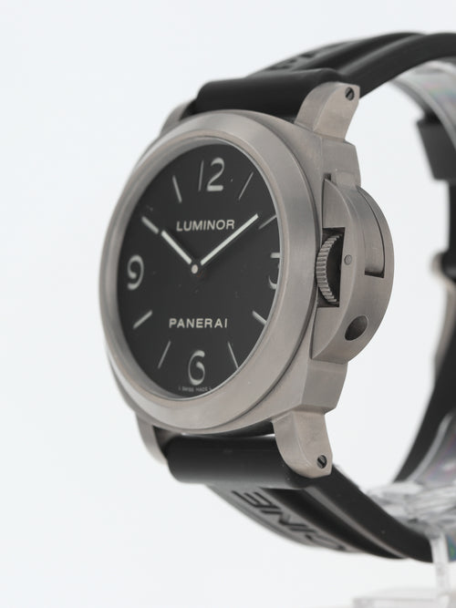 35972: Panerai Titanium Base Luminor, Ref. PAM00176, 2011 Full Set