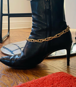 New Women Gold Lightweight Textured Triple Link Metal Boot Ankle Chain, Boot Bling, Fashion Jewelry, Classic Look, Anklet 1 Side